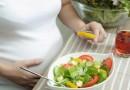چه غذاهایی برای زنان باردار مفید و مناسب است؟